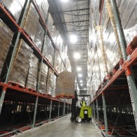 Warehouse pallet shelving system solution